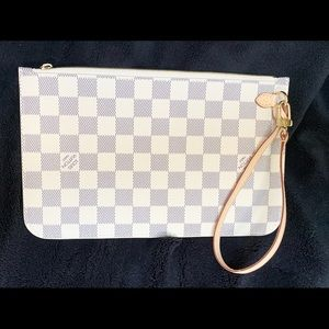LV Brand New MM pouch